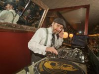 Brighton Lindyhoppers swing DJ
